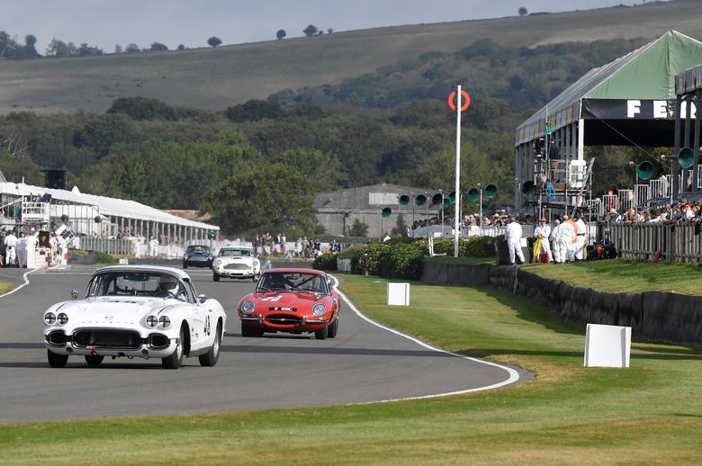 سباق-السيارات-القديمة-في-بريطانيا