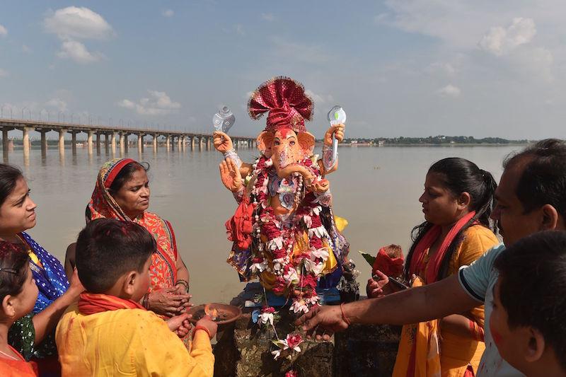 الهندوس-يحتفلون-بمهرجان-جانيش-في-الهند