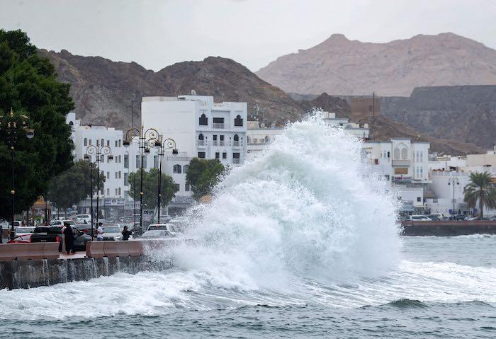 الإعصار-شاهين-يضرب-سلطنة-عمان