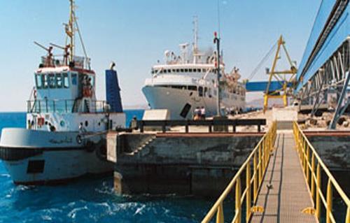 مصر تصدر 27 ألف طن فوسفات إلى باكستان من ميناء سفاجا البحرى