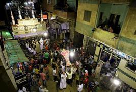 المصريون يحتفلون بشهر رمضان بالسهرات