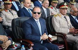 السيد الرئيس يشهد الاحتفال بتخريج دفعات