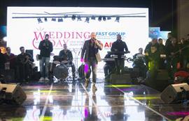 محمود العسيلي يشعل أجواء حفل غنائي لأحد