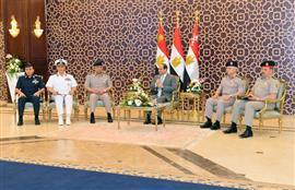 الرئيس السيسي يلتقي قادة القوات المسلحة