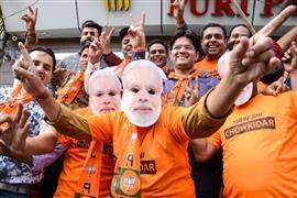 احتفالات في الهند بالفوز التاريخي لحزب