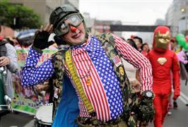 """احتفالات """"يوم المهرج"""" في بيرو"""