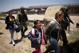 المكسيك تنشر الحرس الوطنى لمراقبة الحدود