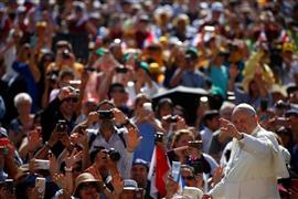 لقاء بابا الفاتيكان الأسبوعي مع الجمهور