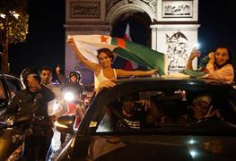 احتفالات الجالية الجزائرية في فرنسا