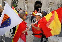 مظاهرات حاشدة في برشلونة لمناهضة دعوات