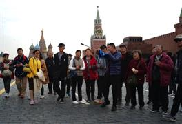 """""""الساحة الحمراء في روسيا"""" عشق سياح العالم"""