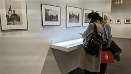 """لوحات""""متحف الفنون"""" بجامعة تسينجهوا الصينية"""