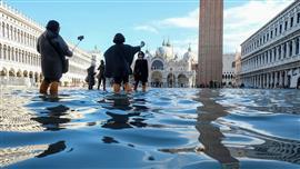 ايطاليا تعلن حالة الطوارئ في البندقية
