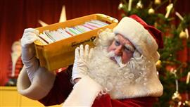 """""""سانتا كلوز"""" يجيب على بريد """"الكريسماس"""""""
