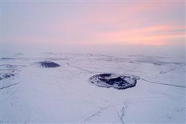 الثلوج تغطي البراكين في منغوليا الداخلية
