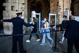 روما تفتح أبواب نصب الكولوسيوم للجمهور