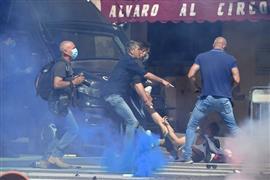 مظاهرات  في روما بسبب الأزمة الاقتصادية