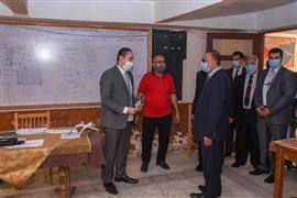 محافظ الإسكندرية يتفقد عددا من اللجان