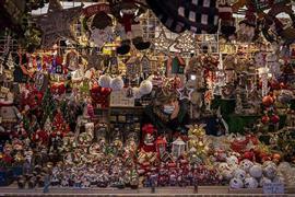 الاستعداد لاحتفالات أعياد الميلاد حول العالم