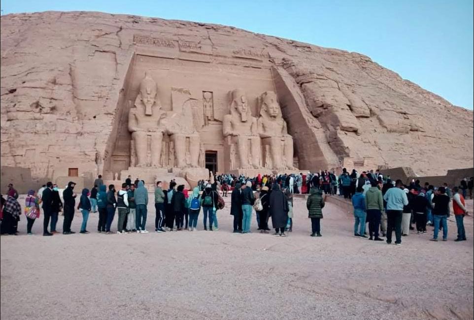 تعامد الشمس على وجه رمسيس الثاني بمعبد أبو سمبل