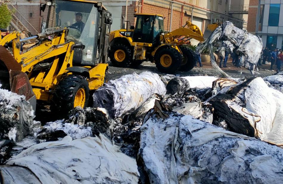 حريق هائل بمصنع منتجات ورقية بالسادات