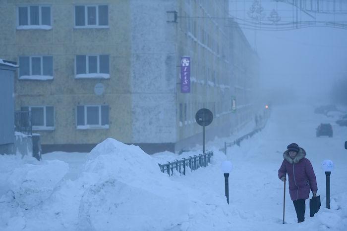 الثلوج تغطي مناطق عديدة في روسيا بسبب موجة الصقيع الأخيرة