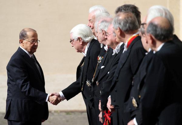 زيارة الرئيس اللبناني ميشيل عون إلى الفاتيكان (رويترز)