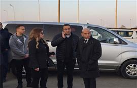 استقبال جثمان الكاتب الصحفي الكبير إبراهيم نافع في مطار القاهرة