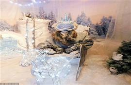 من أجل مساعدة ابنتها المريضة على تحقيق حلم السفر إلى فنلندا، الأم البريطانية تنقل عجائب الشتاء إلى