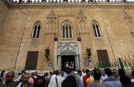 المصريون يحتفلون بالعام الهجري الجديد في رحاب الحسين