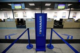 إلغاء وتعطل رحلات طيران أحد المطارات الداخلية في فرانكفورت بسبب إضراب الطيارون وأطقم الضيافة
