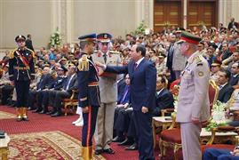 الرئيس السيسي يشهد حفل تخرج أول دفعة من كلية الطب العسكري
