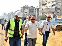 الرئيس السيسي يتفقد سير الأعمال الإنشائية بمجموعة مشروعات الطرق والكباري بمصر الجديدة