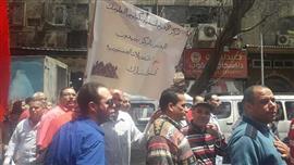 العاملون بالأهرام خلال مشاركتهم فى الاستفتاء على التعديلات الدستورية