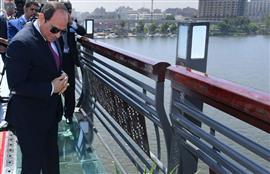 الرئيس السيسي يتفقد عددا من المشروعات خلال افتتاح محور روض الفرج وكوبرى تحيا مصر