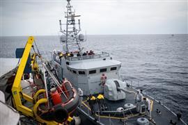 سفينة ألمانية تنقذ مهاجرين من الغرق في البحر المتوسط بالقرب من إيطاليا
