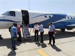حارس ريال مدريد الاسباني يغادر مطار الغردقة بطائرة خاصة