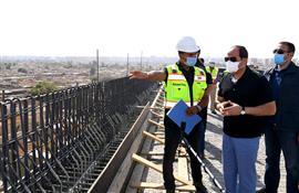 الرئيس السيسي يتفقد مشروعات التطوير بشبكة الطرق بالقاهرة الكبرى