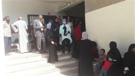 رئيس مدينة سفاجا تتفقد المقار الانتخابية لمتابعة سير التصويت والالتزام بالإجراءات الاحترازية