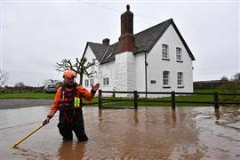 فيضانات ويلز وغرب إنجلترا