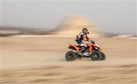 سباق الدراجات النارية بمنطقة أبو صير في الجيزة