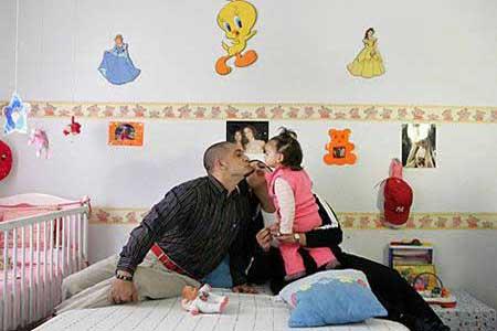 سجن ارانجويز- اسبانيا-أول سجن بزنزانات عائلية في العالم، الأمر الذي يسمح للسجين بالشعور كأنه داخل منزله. السجن يحتوى على أماكن لعب الأطفال وذلك كعلاج نفسى للسجناء ويقع السجن على بعد 40 كم جنوب مدريد،