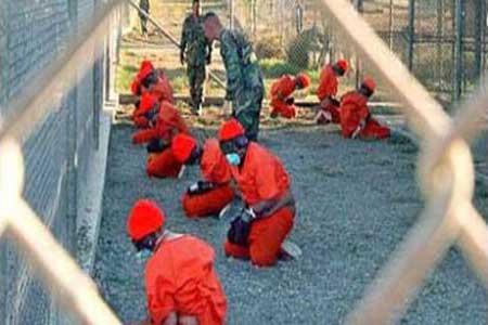 جوانتنامو-كوبا-فتح السجن لأول مرة في عام 2001 وذلك خصيصا لاحتجاز عناصر طالبان الذين بعد الاجتياح الأمريكي لأفغانستان لكن مع مرور السنين أصبح السجن لكافة ما يسمونهم إرهابيون