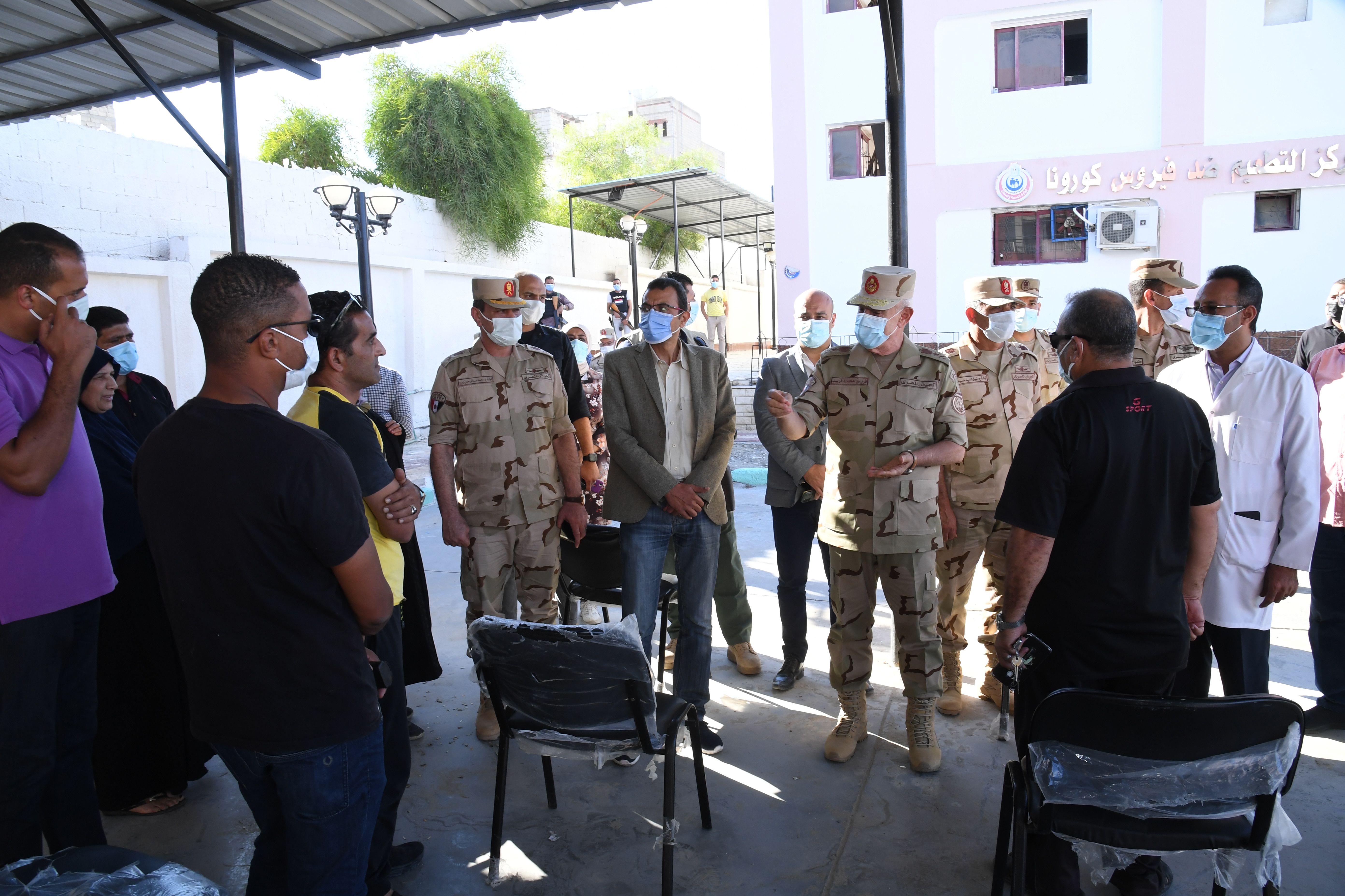 الفريق محمد فريد رئيس أركان حرب القوات المسلحة يتفقد الحالة الأمنية بشمال سيناء