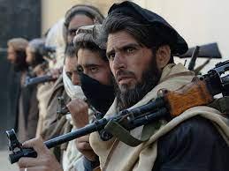 عاصمة إقليم هلمند بجنوب أفغانستان تقترب من الوقوع في أيدي مسلحي طالبان