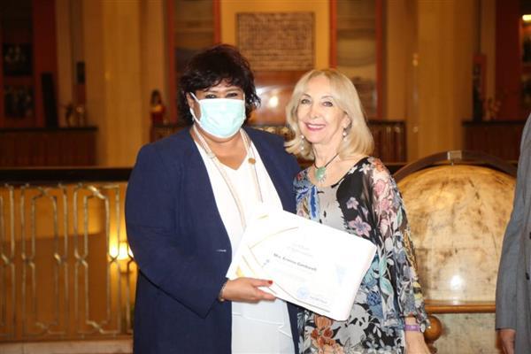 بعد نجاح العرض بإيطاليا  وزيرة الثقافة تكرم فريق عمل أوبرا عايدة