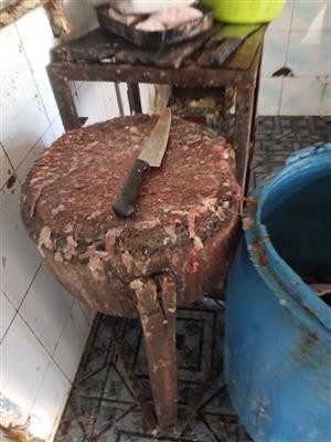 ضبط وإعدام  طن أغذية ولحوم فاسدة في عدد من المتاجر