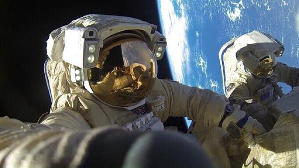 فريق-روسي-ينتهي-من-تصوير-فيلم-روائي-طويل-في-الفضاء