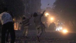إنقاذ مجند متظاهرين تعدوا عليه