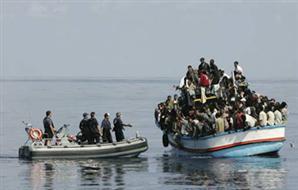 مصدر عسكري: القوات البحرية تنتشل